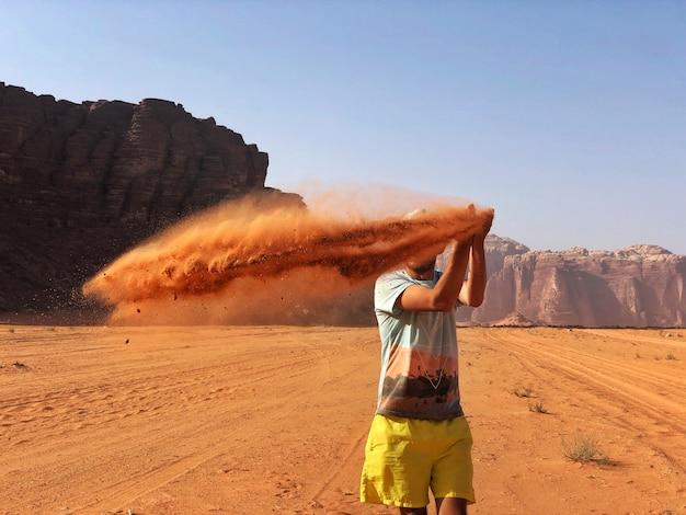 ワイルドレッドデザートワディラム、アラビアヨルダン。