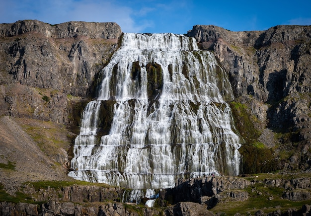 Пустыня каскадная панорама водопада дынджанди исландия.