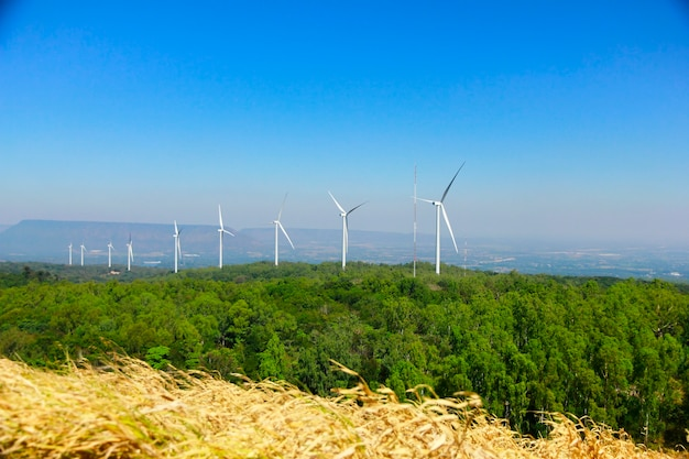 背景空の代替エネルギーのための風力タービン