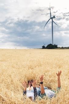 風車、タービン、エコロジー、グリーンエネルギーパーク、風車の代替エネルギー