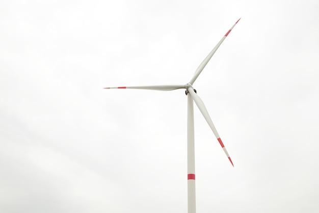 曇りの日の発電用風車。上面図
