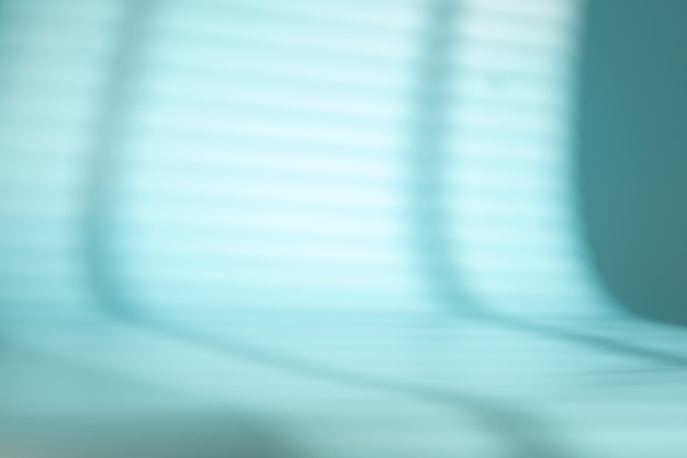 青いスペースにブラインド付きのウィンドウシェード