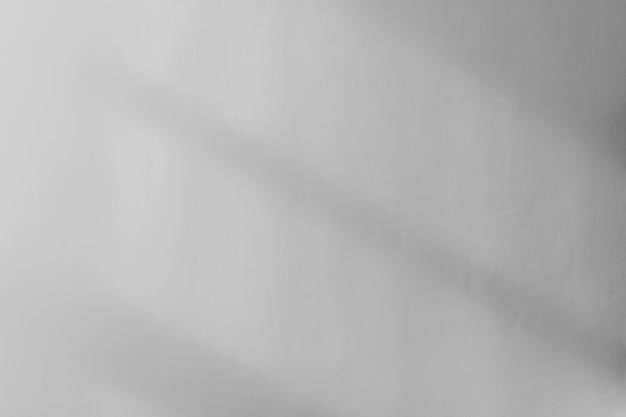 Эффект наложения тени окна на белом фоне стены или фоне