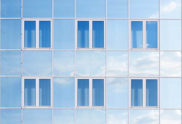 モダンな建物の窓