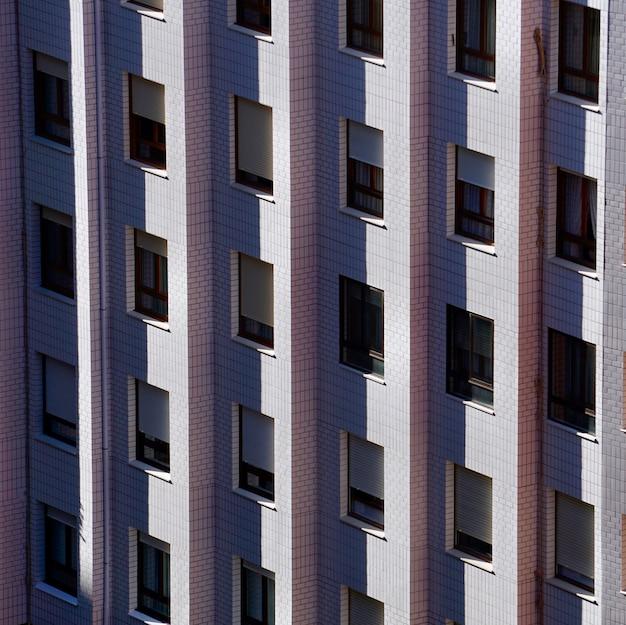 건물의 외관에 창, 스페인 빌바오 도시 건축