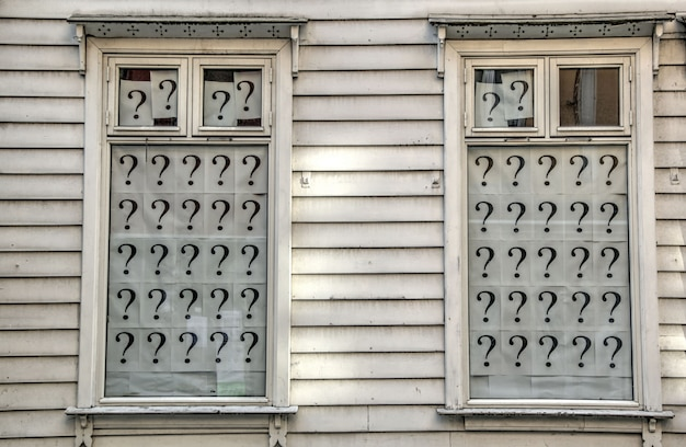 Windows with question marks