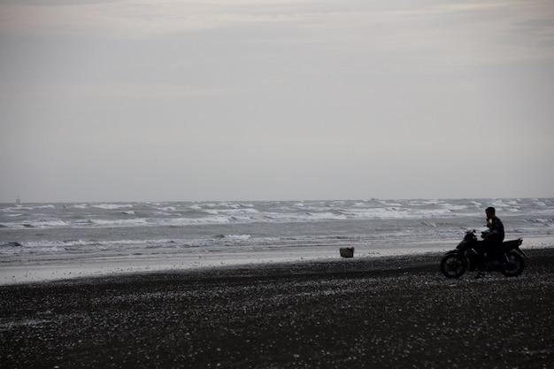 ベトナムの風の強い海岸のシーン