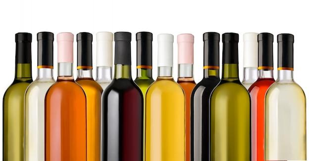 白い背景の上のワインのボトル