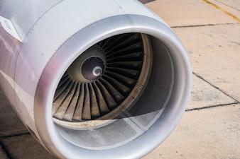 Wing trip gear drive rotor