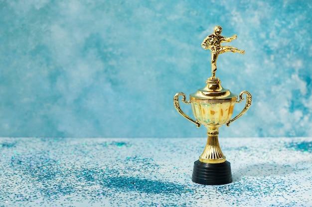 男とカップ賞の勝者コンセプト