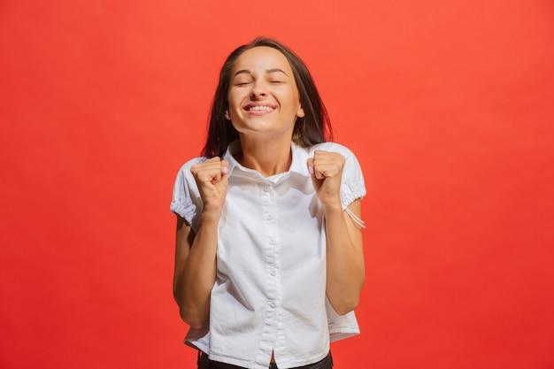 성공 여자 행복 황홀 할 정도로 축 하하는 승자가 승리. 여성 모델의 역동적 인 에너지 이미지