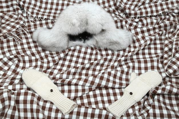 冬のキャップと手袋