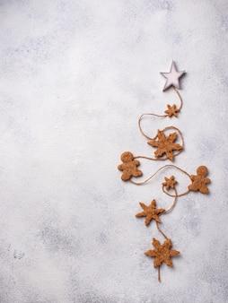 Зимняя новогодняя композиция с пряниками