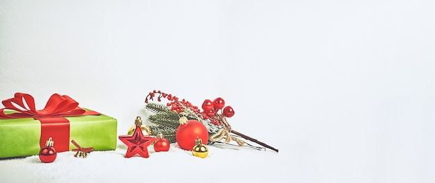 Winter or christmas themed banner, christmas composition. christmas fir tree branches