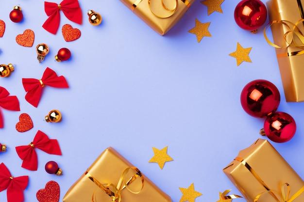 Зимний праздник с сердечками, бантами и безделушками