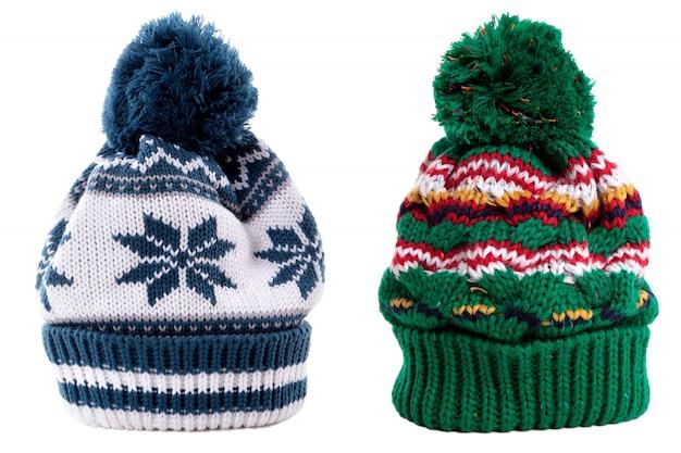 Зимние шапки с мячом на вершине