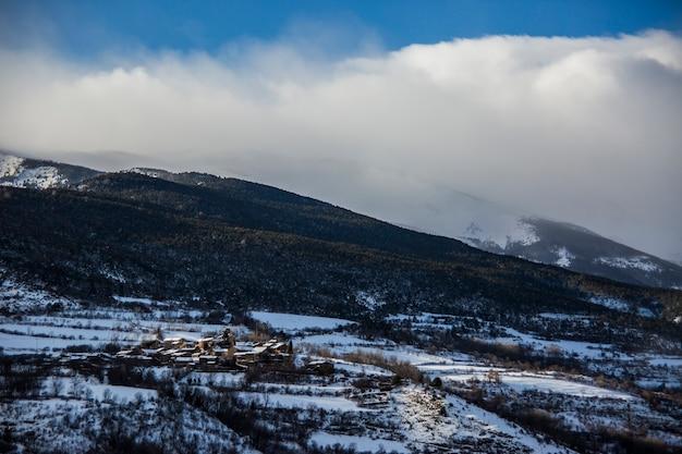 Зима в ла серданья, пиренеи, испания