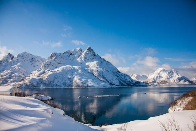 Зима на лофотенских островах, север, норвегия.