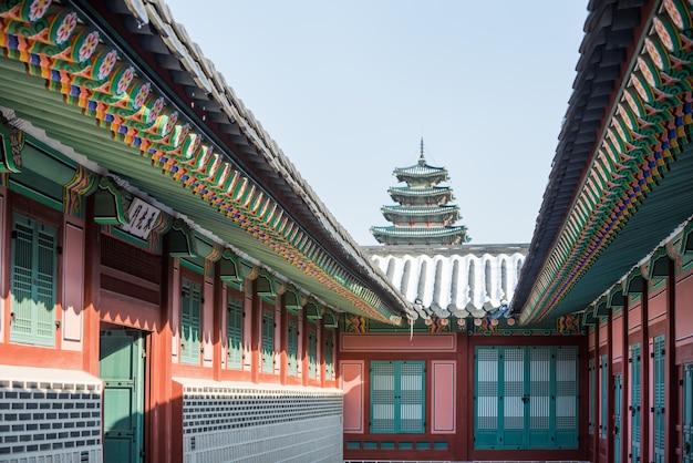 Зима дворца кёнбок в корее