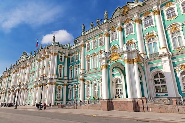 Зимний дворец в санкт-петербурге. россия