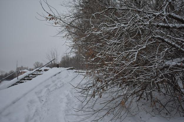 雪の中のウィンターストリートシティ