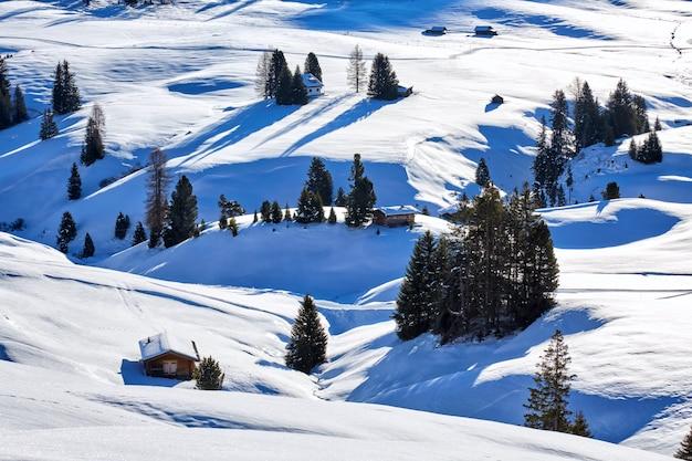 Зимний рассвет над доломитовыми альпами, италия
