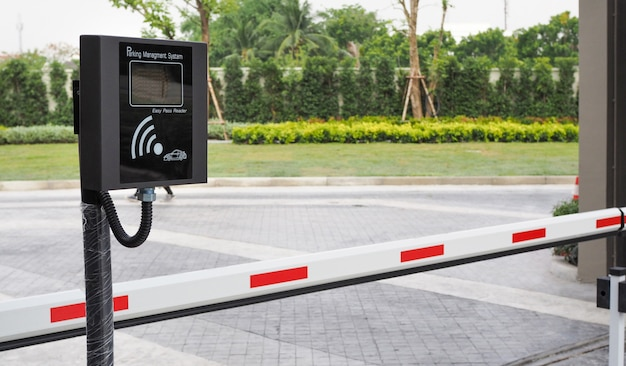Wireless parking management system machine and automatic gate barrier