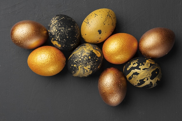 With golden decorated easter eggs