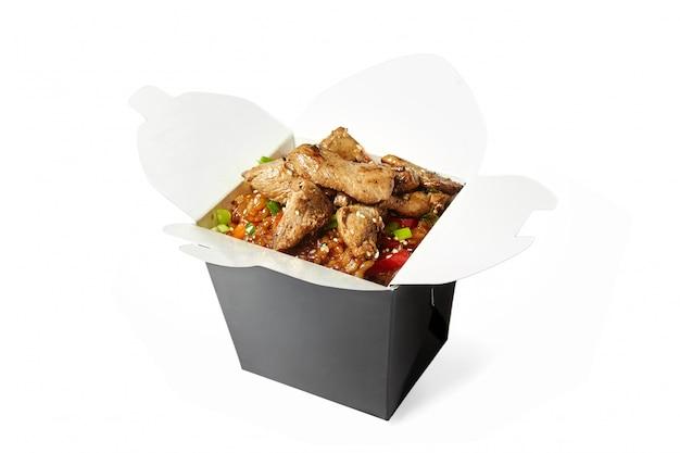 分離した豚肉の中華鍋ご飯
