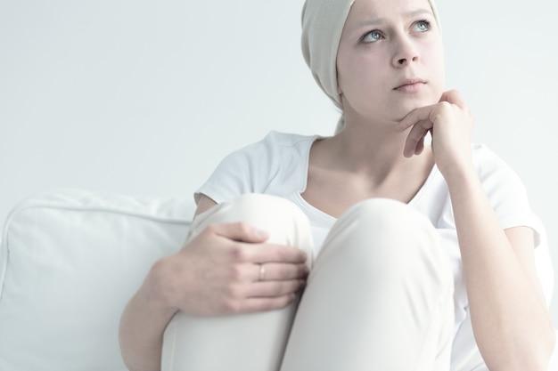 放射線療法後の女性