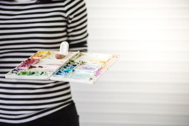 Woman asian paint watercolor class