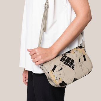 Woman carrying her leather crossbody bag