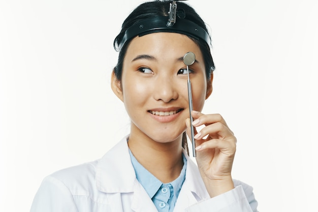 Женщина-врач медицина педиатр профессиональное лечение медицинское оборудование