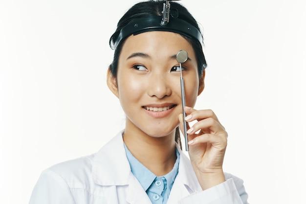 여자 의사 의학 소아과 전문 치료 건강