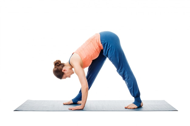 アシュタンガヴィンヤサを行う女性yoga asana parsvottanasana