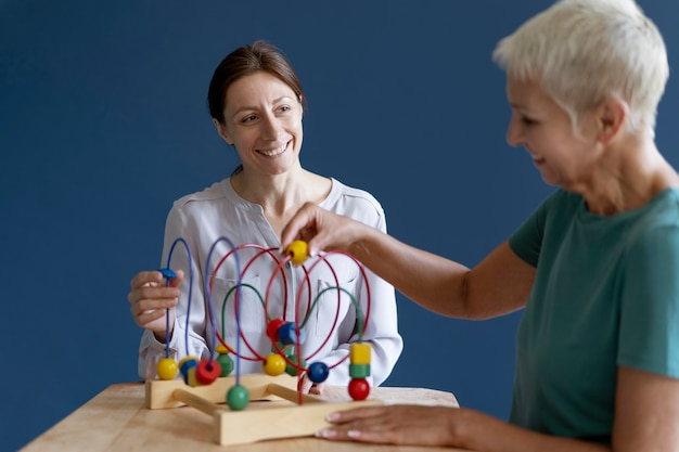 Woman doing an occupational therapy session with a psychologist