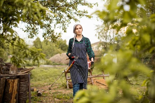 Lavoratrice agricola
