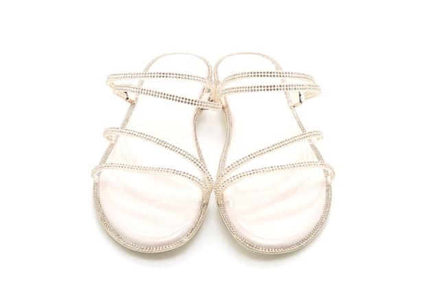 Женская модная обувь или сандалии, изолированные на белом
