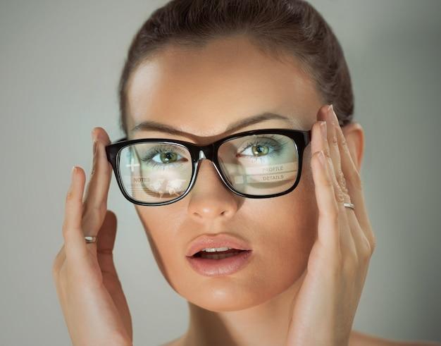 Woman glasses virtual interface built-in screen