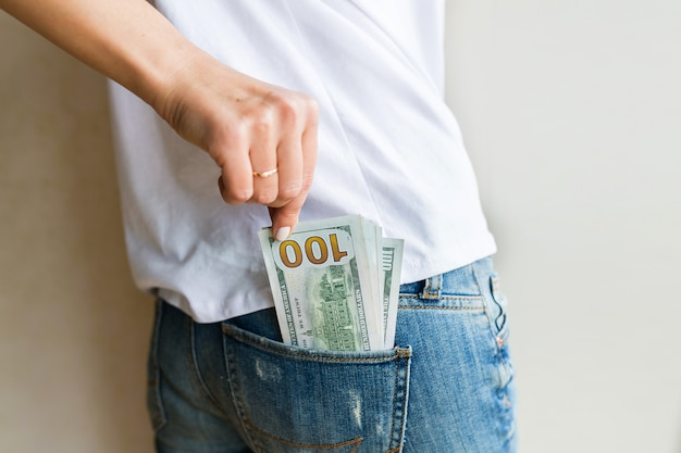 Woman got cash money