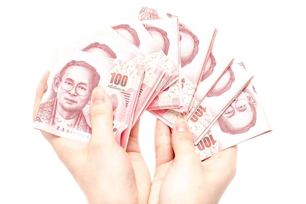 Пакет для подсчета рук в руке из 100 чешских банкнот