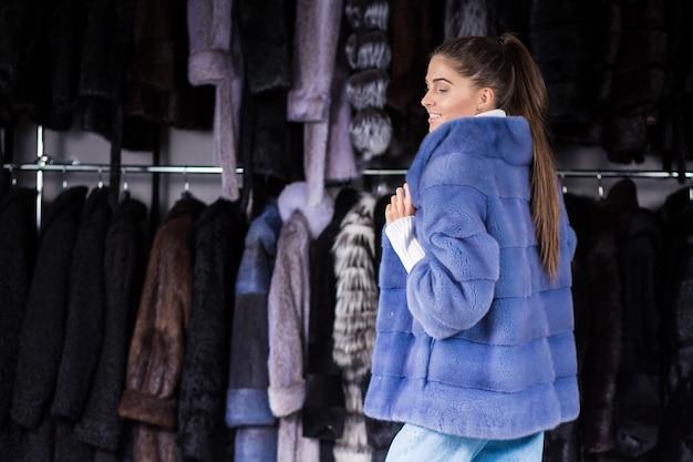 女性、毛皮、コート 無料写真