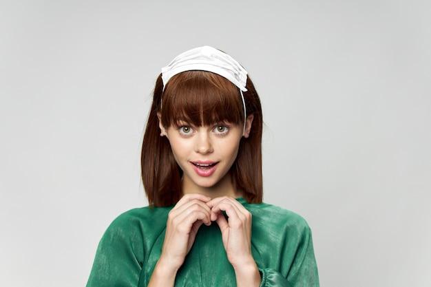 의료 마스크 포즈 패션 드레스 여자