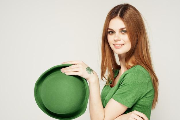 녹색, 성 패 트 릭의 날, 녹색 네 잎 클로버에 여자