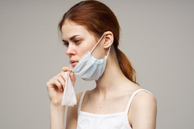 医療マスクハンカチ風邪不満スタジオの女性