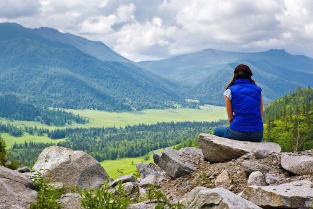 산에서 여자 관점 진정