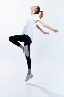 スポーツユニフォームトレーニングスリムフィギュア運動の女性