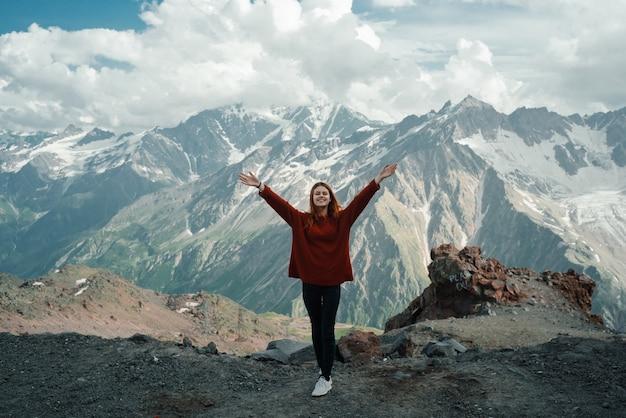 산의 정상, 자유 개념에 여자