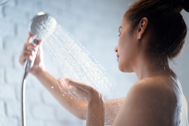 샤워 여자