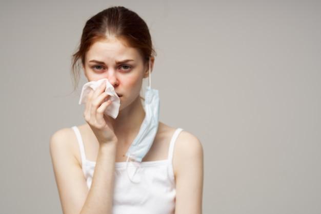 女性医療マスクハンカチ健康問題トリミングビュー